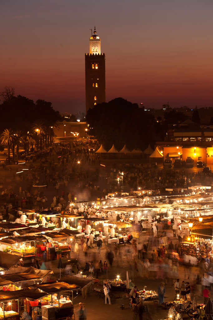 The hectic life in in Marakech's Place Djemaa el-Fna at night